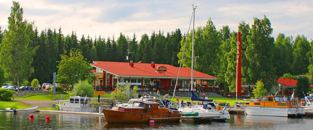 Local associations organize together annually Fish day in the charming Oravi village.